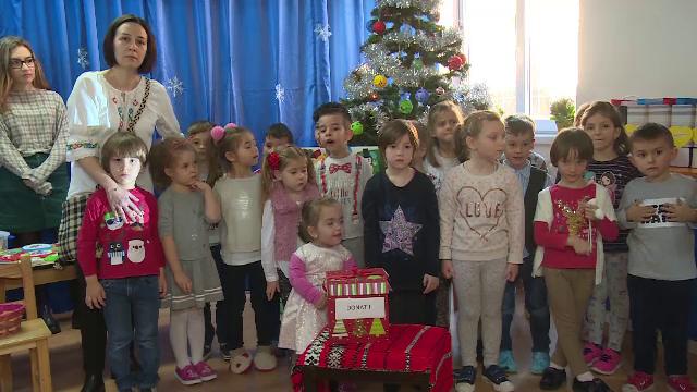Gest impresionant al unor copii de grădiniță. Cum au adunat 3.000 de lei pentru o colegă bolnavă