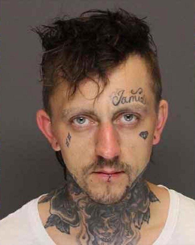 Și-a ucis bebelușul și a dat vina pe celălalt copil. Prins din cauza unei căutări pe Google