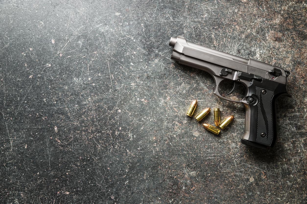 Un copil de 5 ani a fost împușcat mortal de vărul său de doar 18 luni, în timp ce se juca cu un pistol încărcat