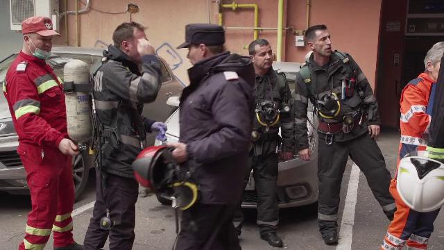 Cum a încercat un bărbat din Ploiești să scape de pisici. Un bloc evacuat din cauza lui
