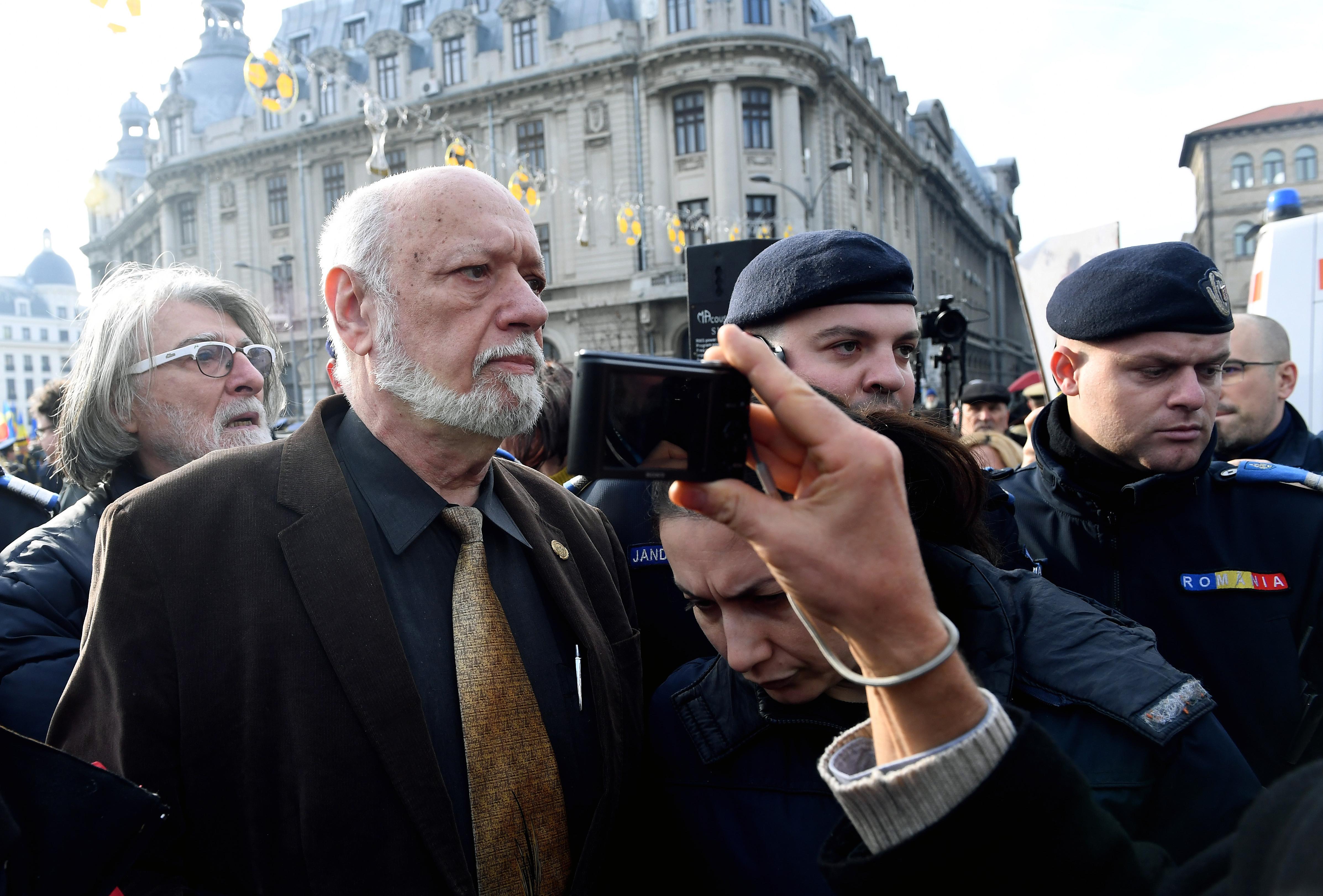 Reacția lui Gelu Voican Voiculescu după desființarea Institutului Revoluției