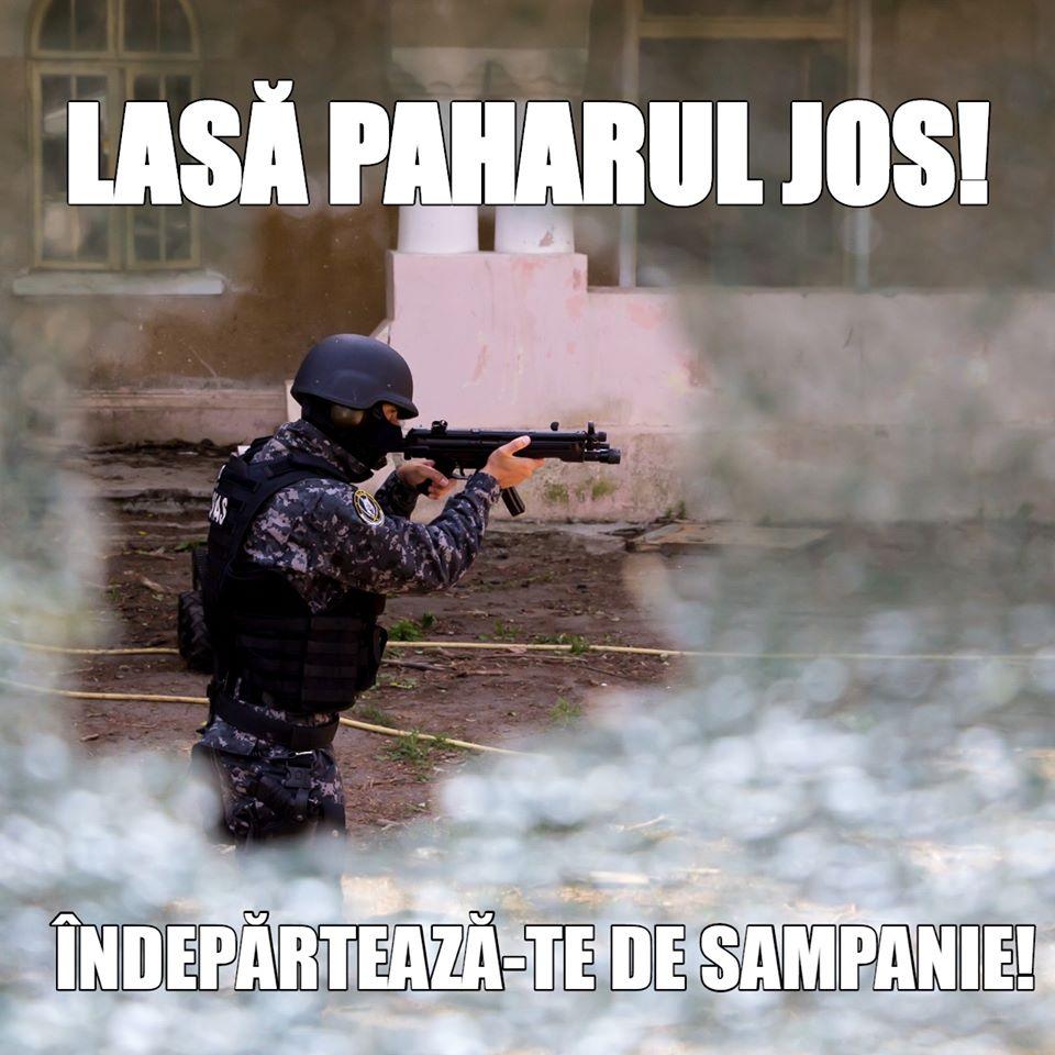 """Mesaj bizar al Poliției Române pe Facebook: """"Lasă paharul jos! Îndepărtează-te de șampanie!"""""""