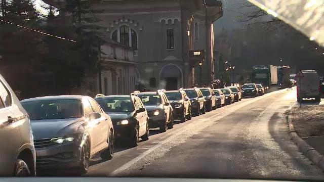 O nouă zi de ambuteiaje pe DN1. Traficul a fost infernal, spre disperarea șoferilor