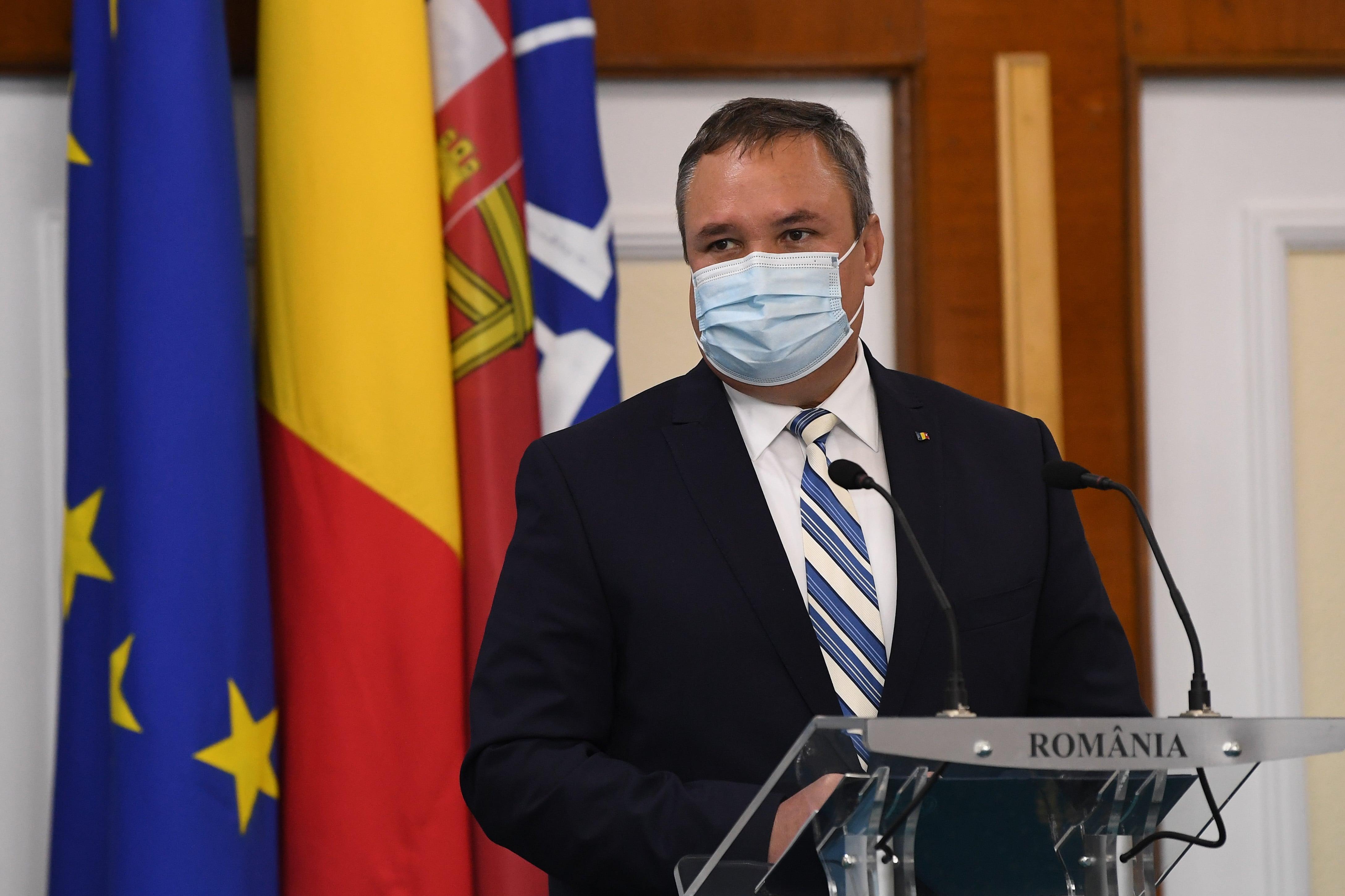 Premierul Ciucă: Institutul Cantacuzino a primit lăzile de gheaţă carbonică pentru vaccinuri