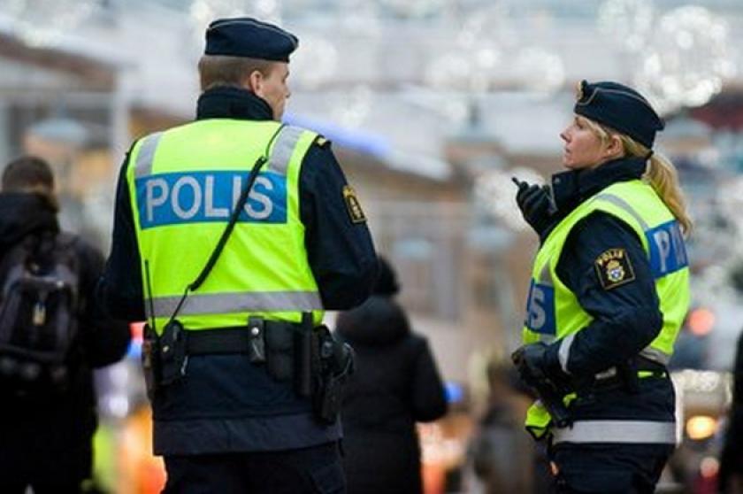 O femeie din Suedia a fost arestată sub suspiciunea că şi-a ţinut fiul închis în casă aproape 30 de ani