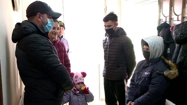 O familie sărmană din Iași a primit în dar o casă, prin proiectul Casa Share