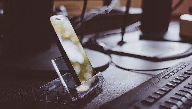 (P) Ce accesorii merită să cumperi pentru telefonul tău?