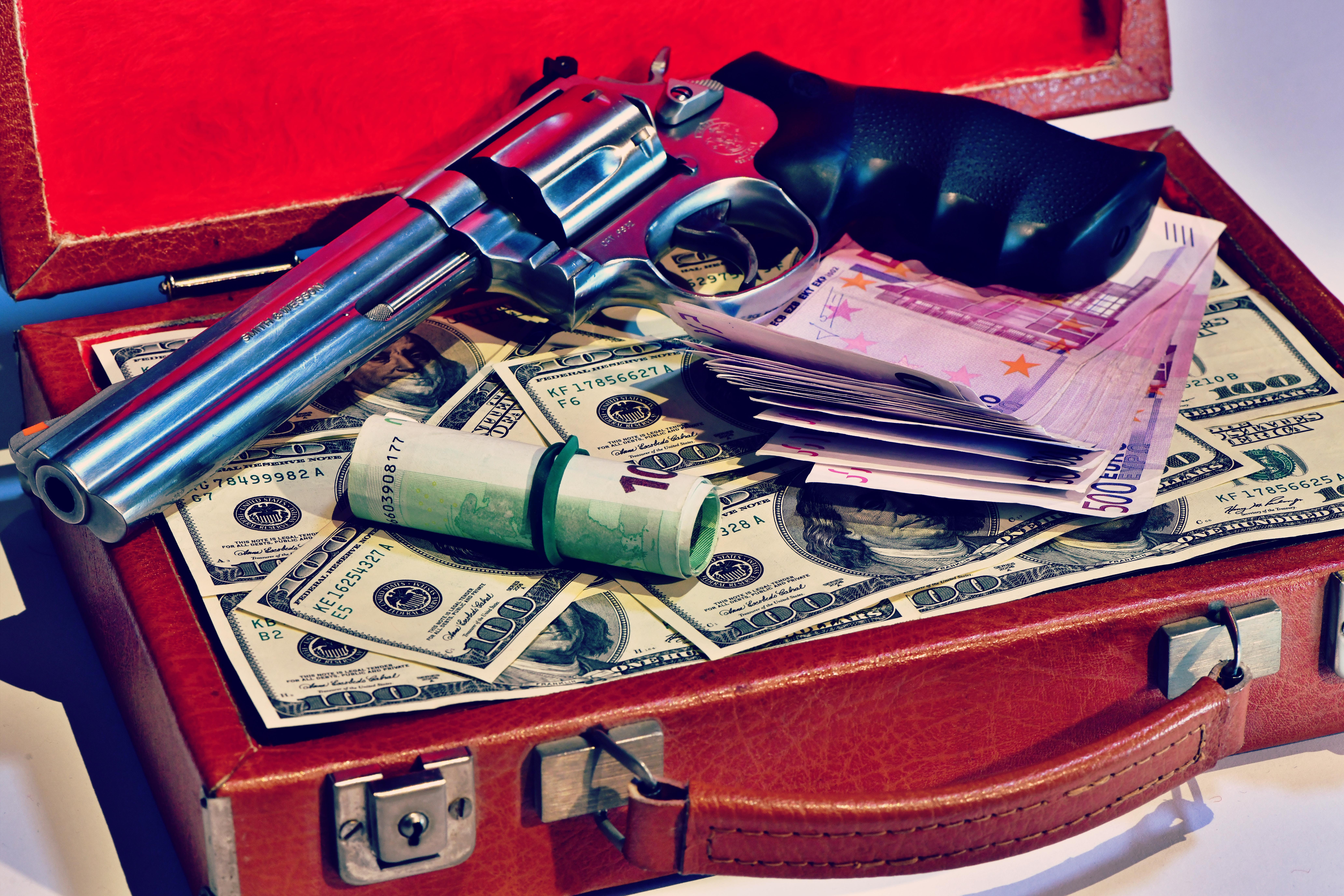 Procesul mai multor mafioți din 'Ndrangheta, amânat după ce unul dintre ei s-a infectat cu Covid-19