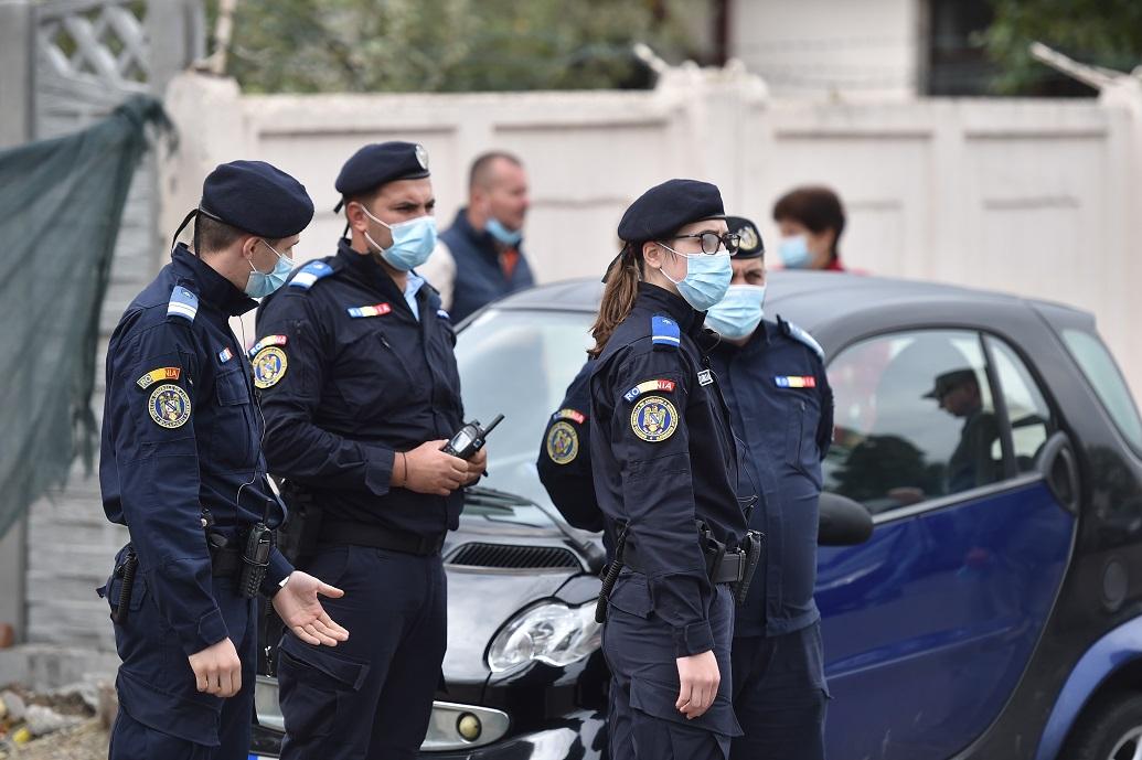 Incidente la vot alegeri parlamentare 2020. Un bărbat a murit în curtea unei secții de votare din Argeș