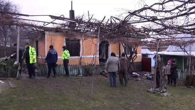 Incendiu la o casă din Neamț. O bătrână și fiul ei au murit