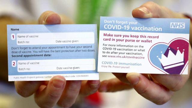 Campania de vaccinare anti-Covid a început în Marea Britanie. Prima persoană care a primit serul Pfizer