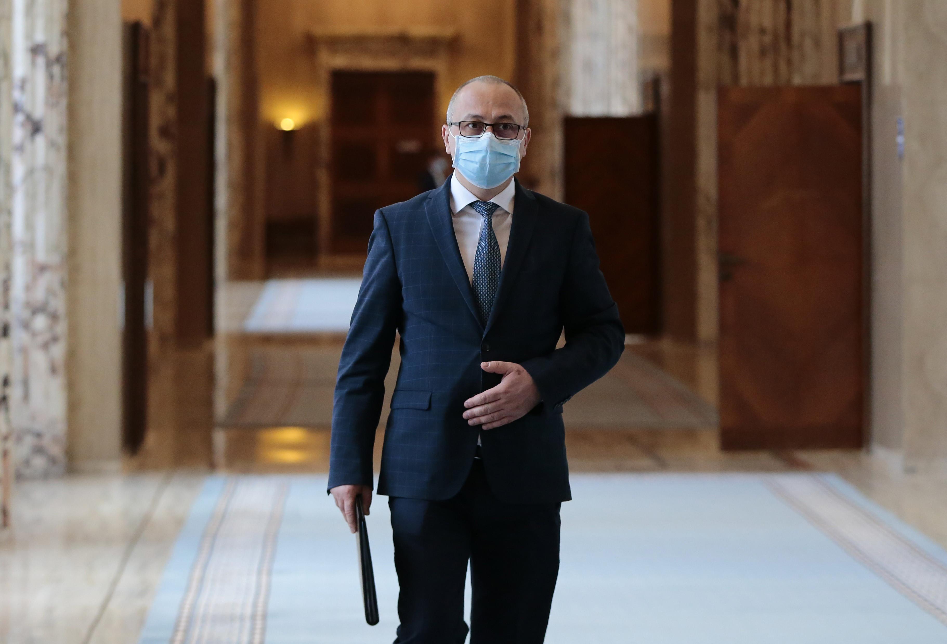 Antonel Tănase a demisionat din funcţia de secretar general al Guvernului, la cererea lui Ciucă