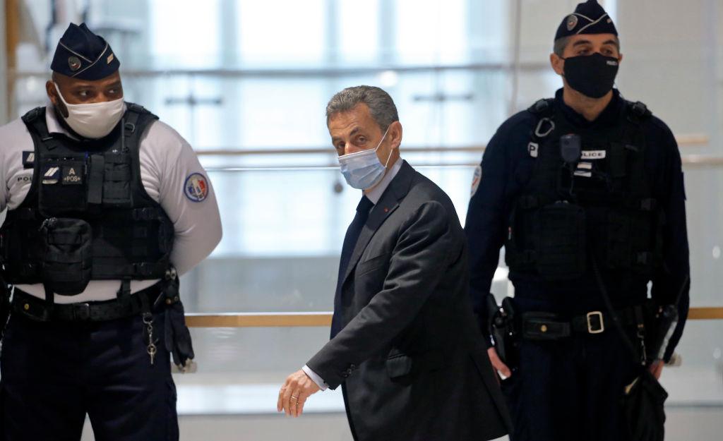 Procurorii francezi cer o pedeapsă de 4 ani de închisoare pentru Nicolas Sarkozy
