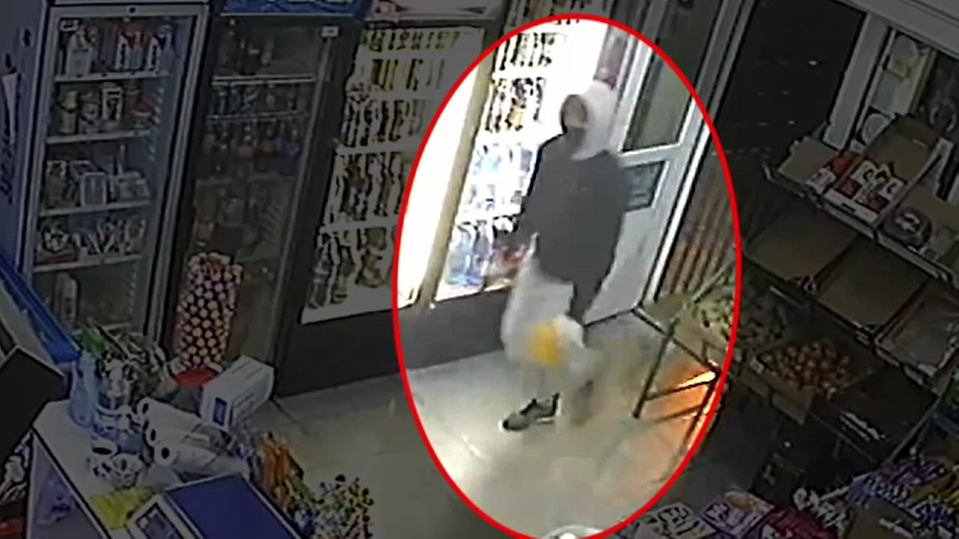 Tentativă de jaf armat la Galaţi. Polițiștii au prins un tânăr care a încercat să jefuiască un magazin