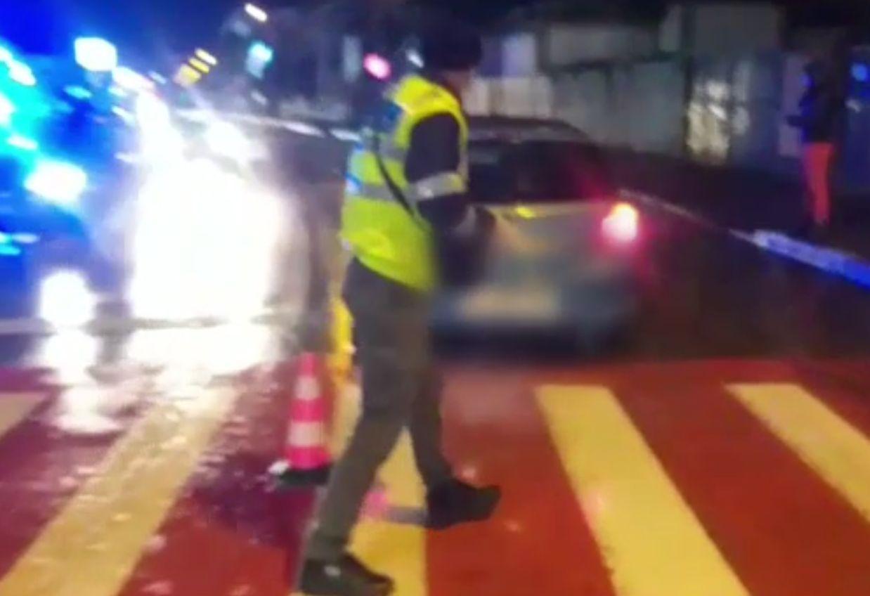 Un jandarm a lovit un bărbat pe trecerea de pietoni, la Târgoviște