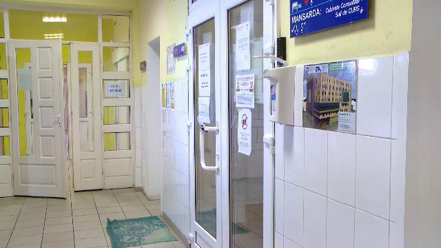 Asistent medical din Timișoara, acuzat că molesta mame internate cu copiii în spital. Dosarul a fost clasat