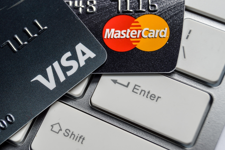 Mastercard şi Visa au blocat plățile pe cel mai cunoscut site pentru adulți. Motivul din spatele deciziei