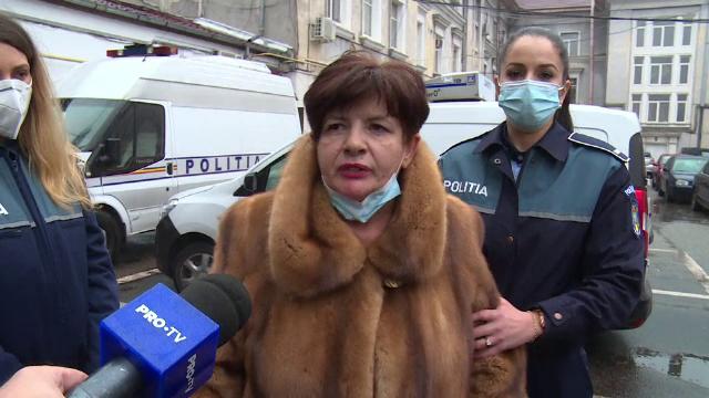 O femeie, medic ginecolog, este acuzată că și-a bătut și sechestrat o pacientă. Aceasta a reușit să fugă desculță din cabinet