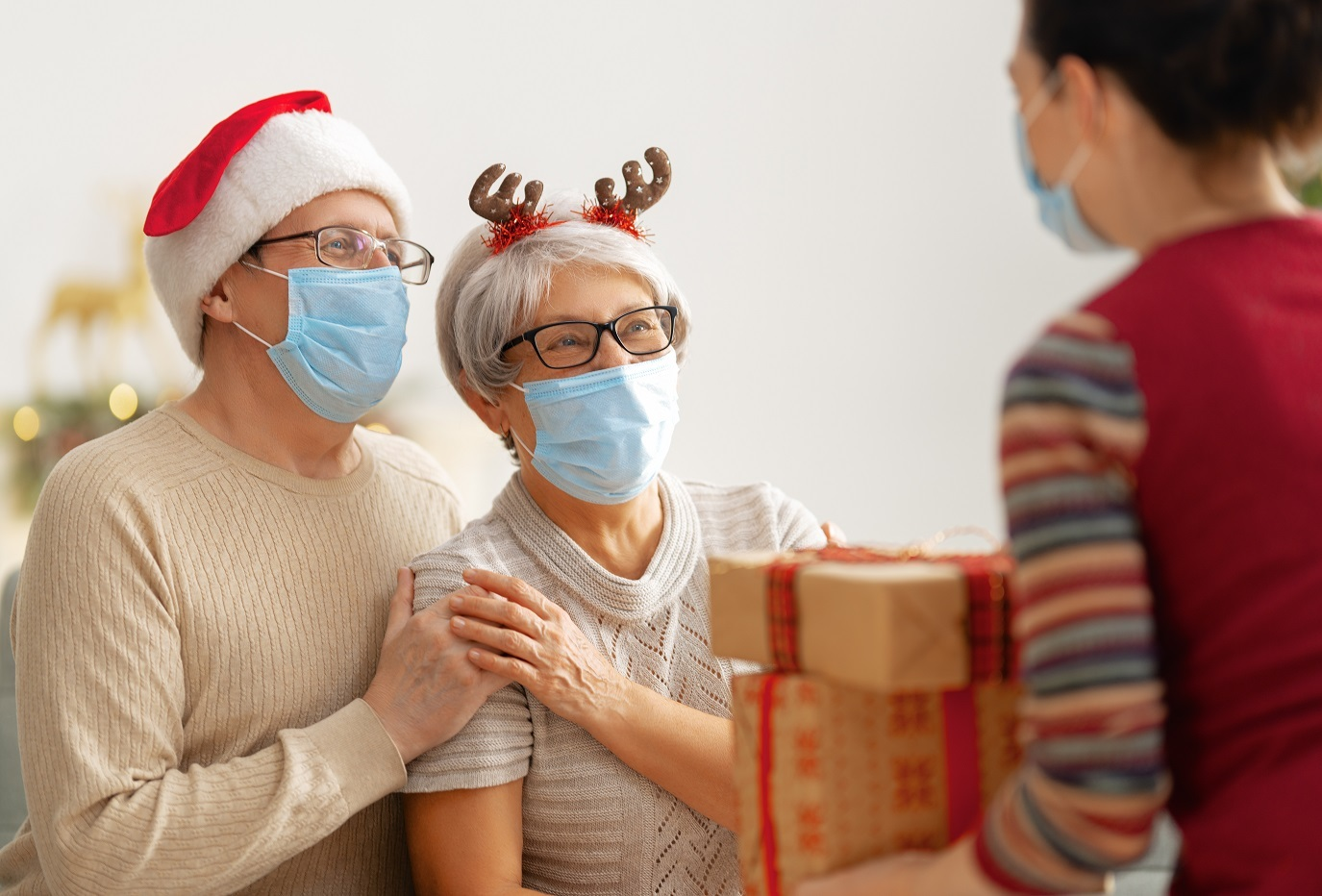 (P) Fii responsabil până la capăt! Petrece Crăciunul cu cei dragi, cu un test rapid Covid-19