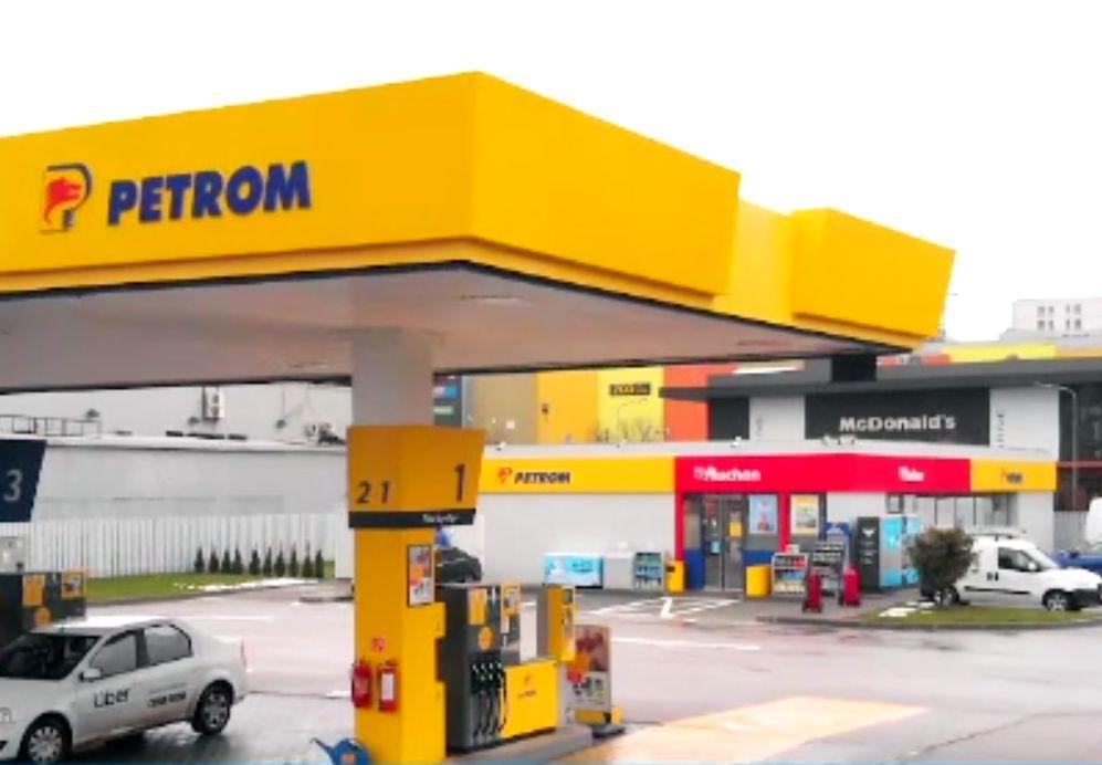 (P) OMV Petrom și Auchan au inaugurat prima stație complet modernizată din București. Vor fi 400 în România, până în 2024