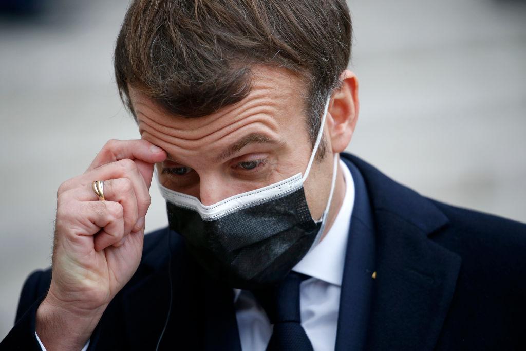 Mesajul transmis de președintele francez Emmanuel Macron, după ce s-a infectat cu noul coronavirus. VIDEO