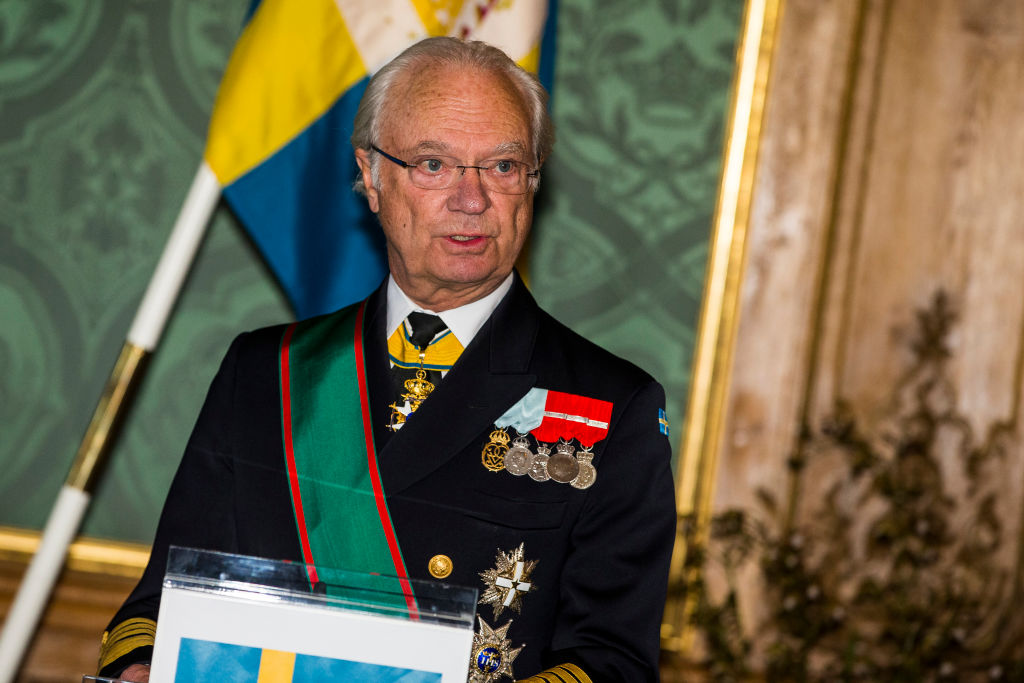 """Regele Carl Gustaf recunoaște că modelul suedez de gestionare a pandemiei a eșuat. """"Acest lucru este îngrozitor"""""""