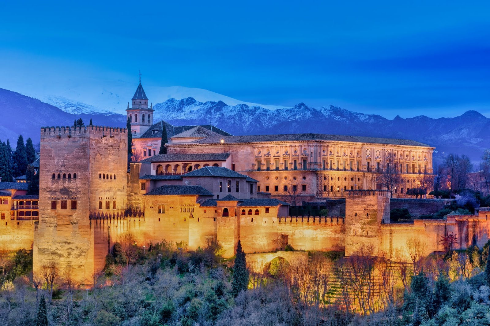 (P) Destinațiile de top ale Spaniei: 5 orașe pe care nu le poți rata