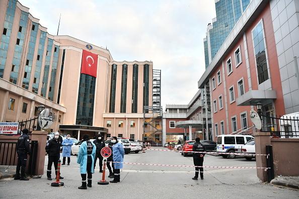Incendiu la secția de Terapie Intensivă Covid-19 a unui spital din Turcia. Opt persoane au murit. GALERIE FOTO