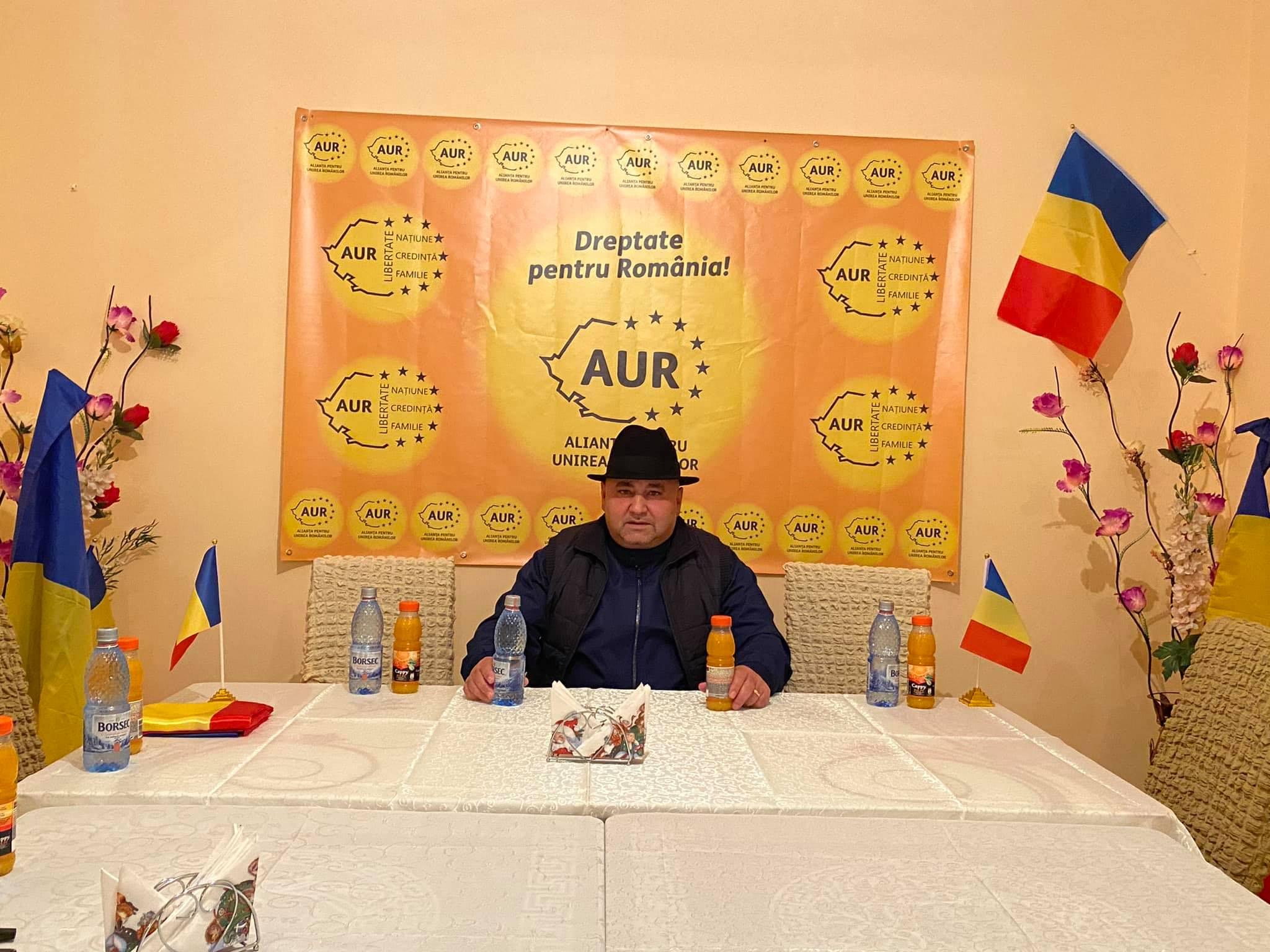 """Membrii AUR din Murgeni s-au delimitat de bulibașa Flagăra, care se dădea președinte. """"Și-a făcut poză acolo și atât"""""""