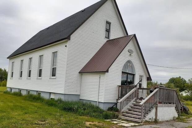 Biserică românească din Canada, jefuită. Hoții au plecat până și cu pâinea sfințită