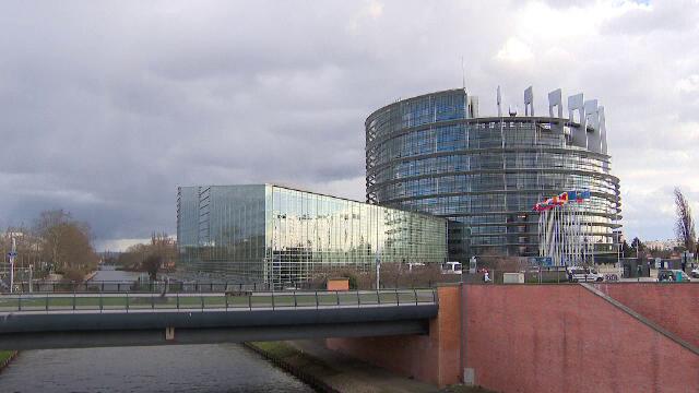 Europa este în alertă, din cauza noii tulpini de coronavirus. UE ar putea veni cu un răspuns comun privind noi reguli