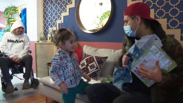 """Echipa """"Visuri la cheie"""" l-a ajutat pe Moș Crăciun și a trimis cadouri tuturor copiilor pe care i-a întâlnit"""