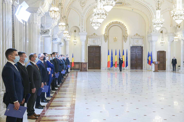 Decretul pentru numirea Guvernului Cîțu, semnat de Iohannis. Miniștrii au depus jurământul la Cotroceni