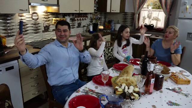 """Mulți români stabiliți în străinătate și-au văzut familiile doar online, de Crăciun. """"E total diferit"""""""