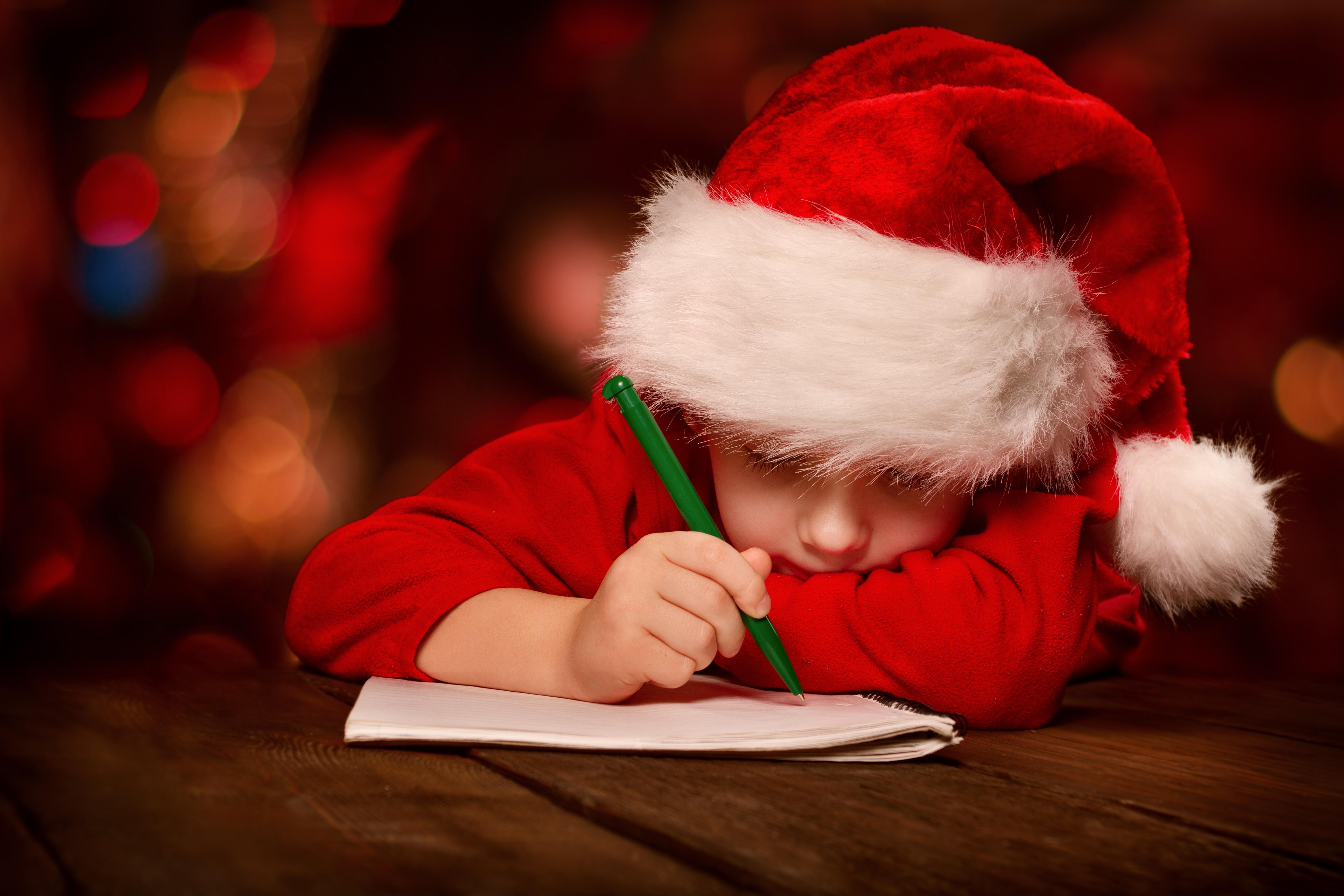 Scrisoarea unei fetițe către Moș Crăciun a devenit virală. Ce i-a cerut
