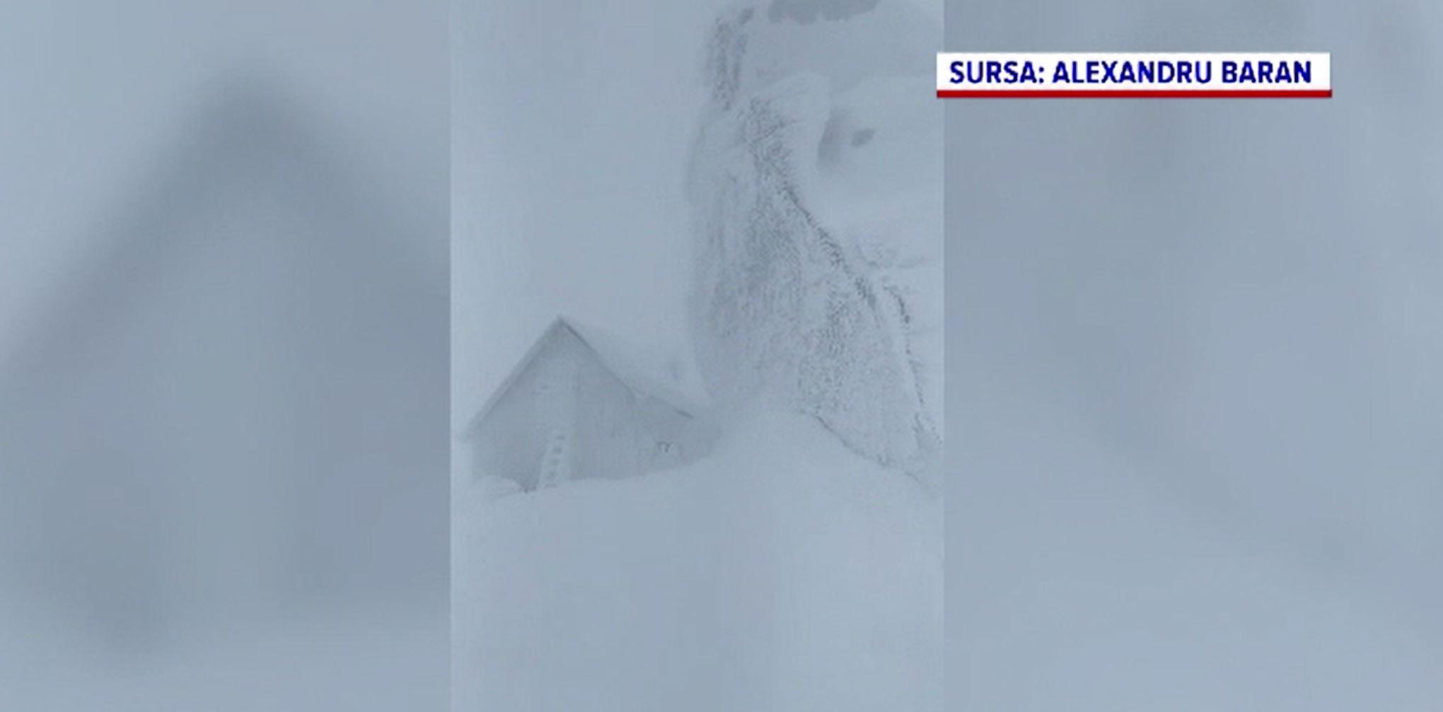 Alertă de vânt puternic în mai multe zone montane. La ce trebuie să fie atenți turiștii