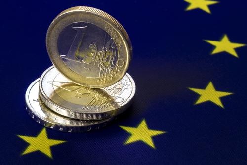 Zona euro riscă să se confrunte cu o dublă recesiune, din cauza restricțiilor legate de pandemie