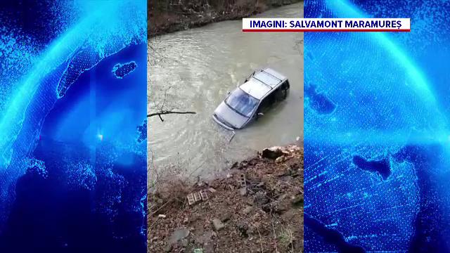 Doi soți din Maramureș și fiica lor au scăpat ca prin minune după ce au plonjat cu mașina într-un râu