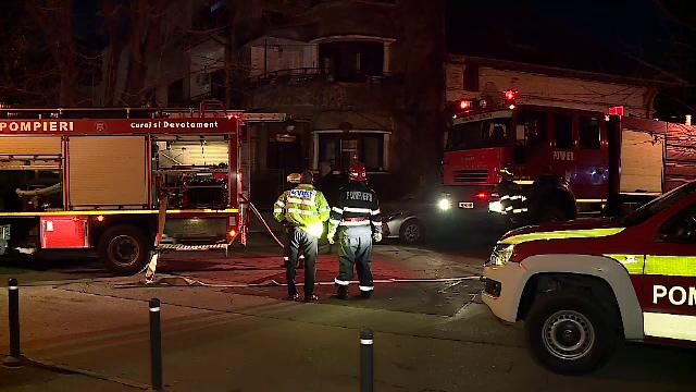 """Incendiu puternic la o clădire din București. """"O nenorocire"""""""