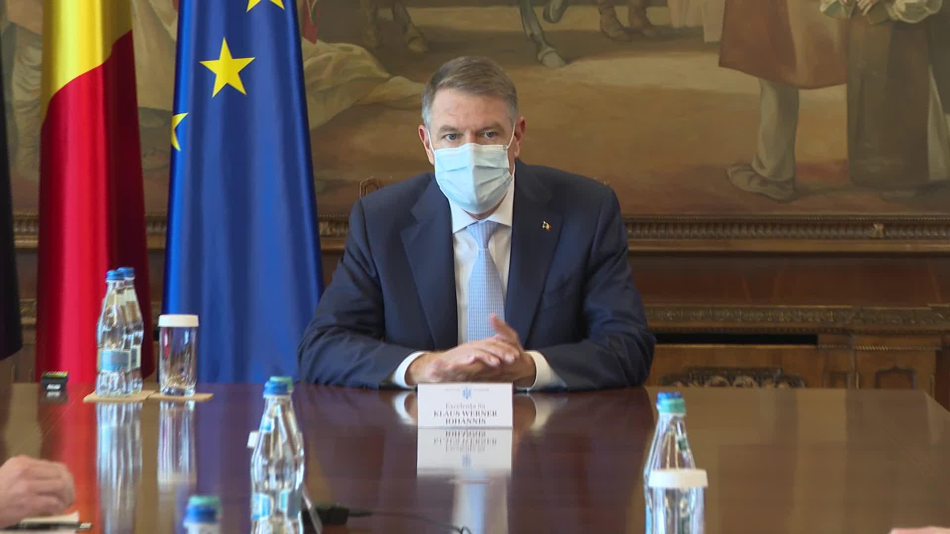 Klaus Iohannis a convocat o ședinţă la Cotroceni privind gestionarea epidemiei de COVID-19