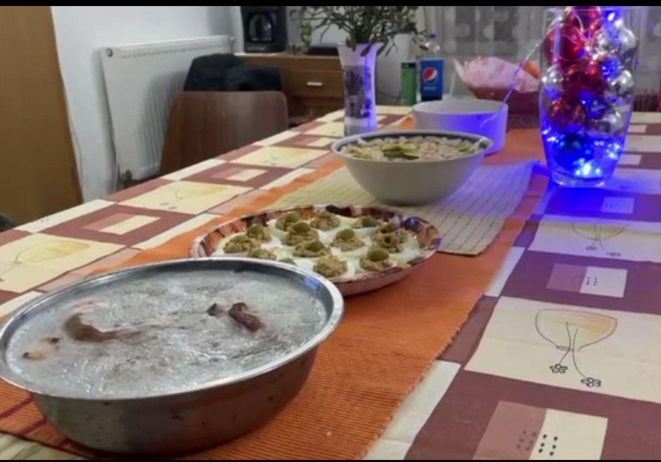 Primul Revelion în care artiștii și maeștrii bucătari rămân acasă. Cum și-au recompensat familiile