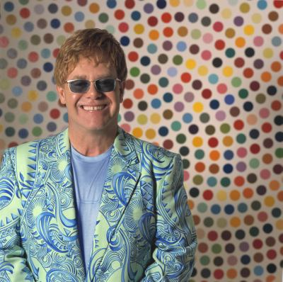 Elton John a primit cadou de nunta de la Eminem doua jucarii sexuale