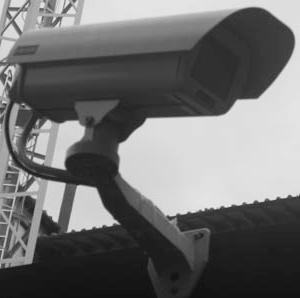Talharie surprinsa de camerele de supraveghere la un liceu din Galati