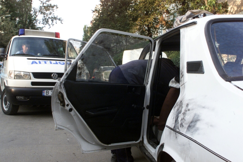 Hoate prinse in plina actiune de politisti! Spargeau o masina