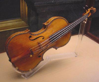 Pret record pentru o vioara Stradivarius. Instrumentul a fost vandut cu 16 milioane de dolari