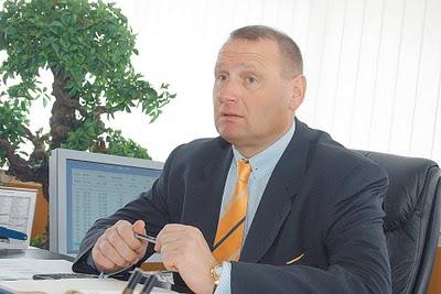 Catarama renunta la candidatura sa la prezidentiale, il sustine pe Cristian Diaconescu si ii cere lui Macovei sa faca la fel