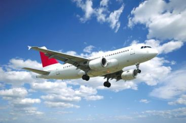 30 de persoane ranite dupa ce un avion a traversat o zona de turbulente