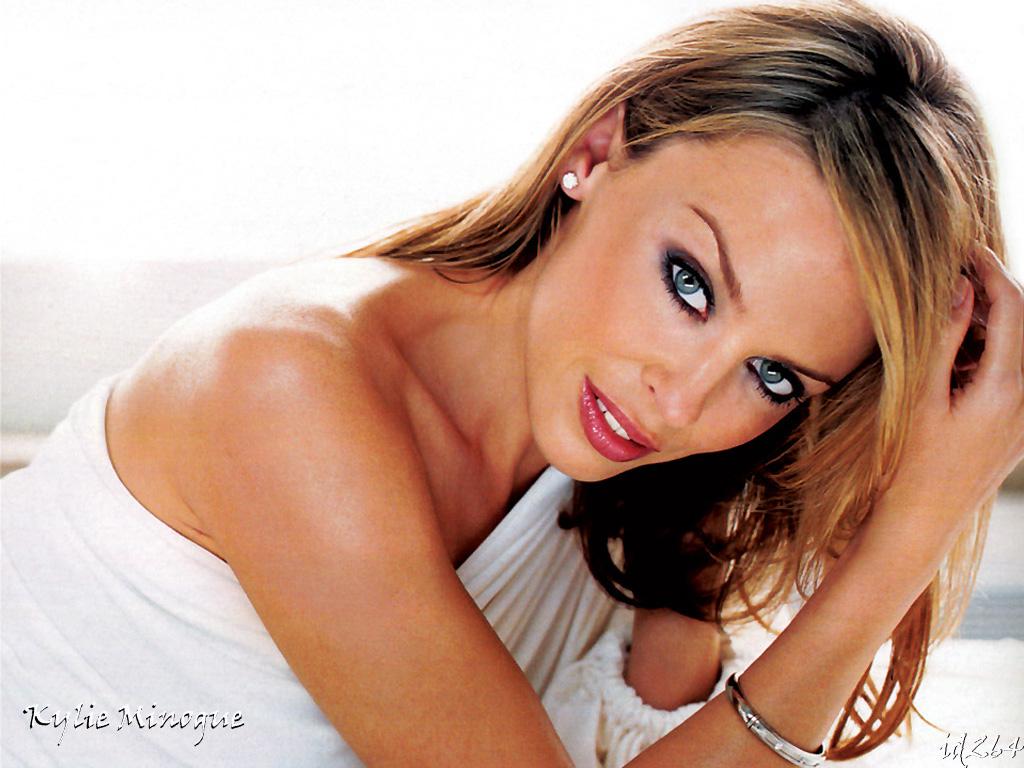 Kylie Minogue lucreaza la un musical!