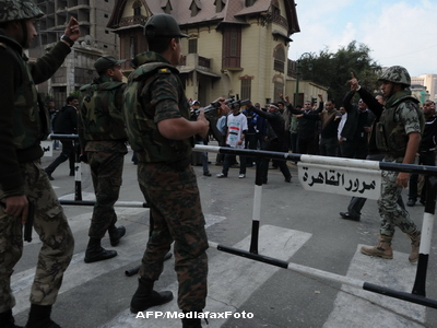 Doi militari egipteni au fost