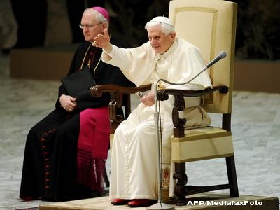Papa Benedict al XVI-lea deplange moartea celor patru copii de etnie roma